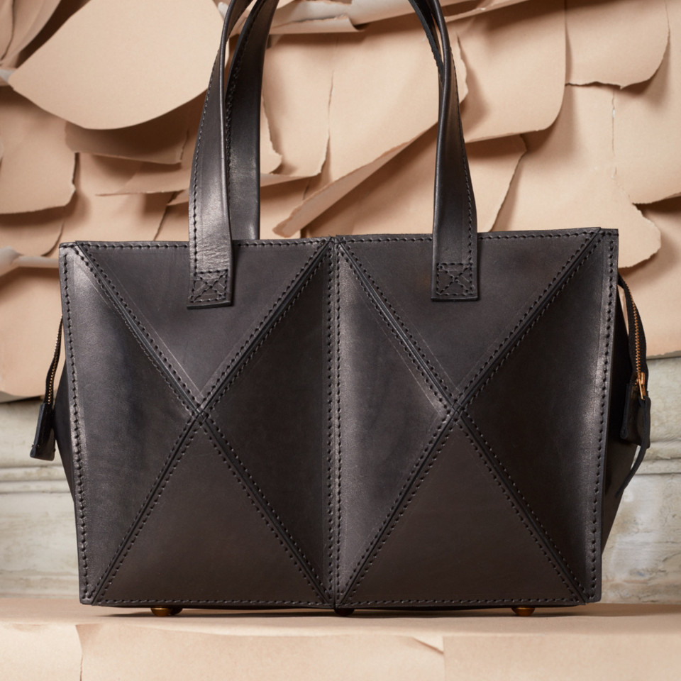 THE HILLS BAG, BLACK