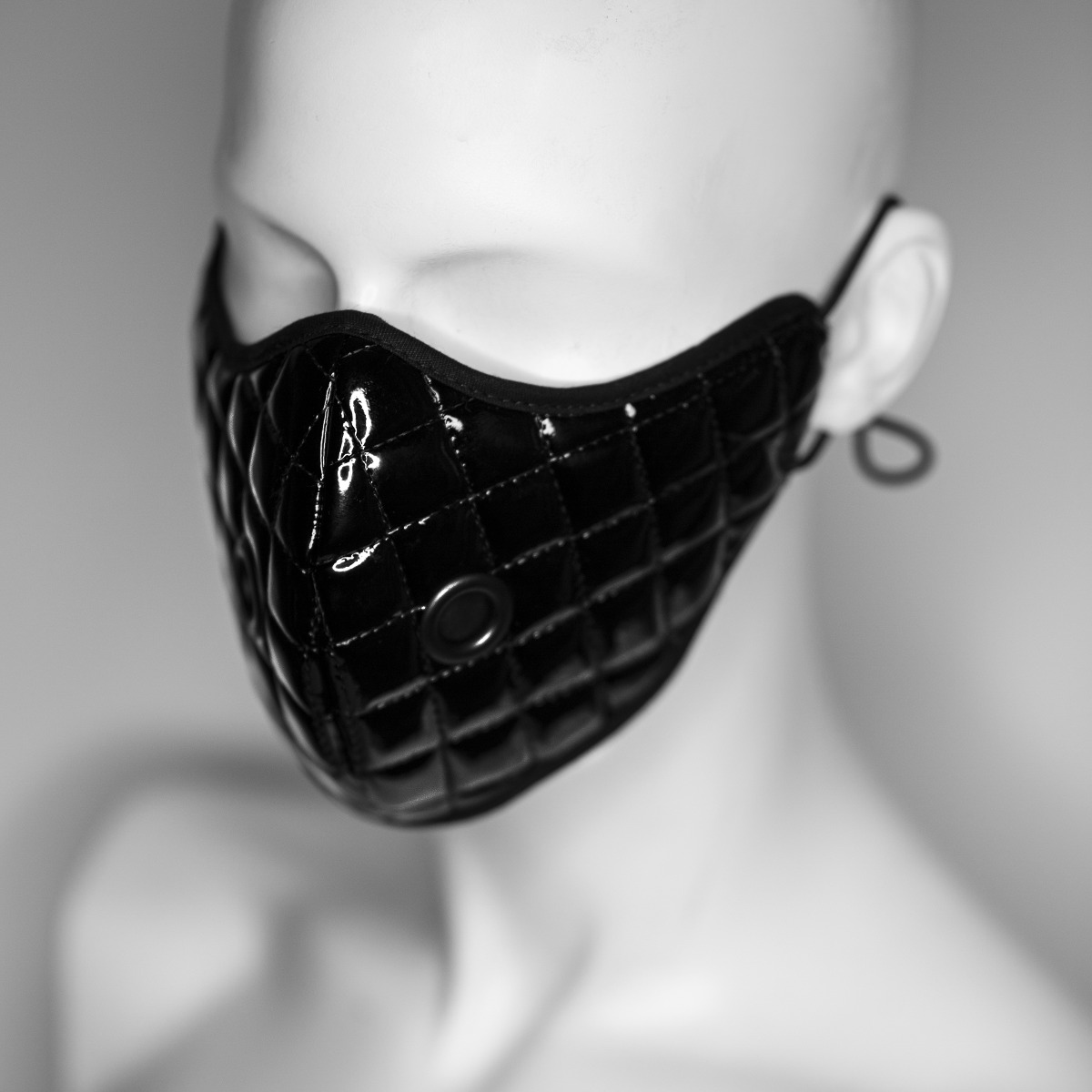 KEEP YOUR DISTANCE MASK, BLACK LATEX