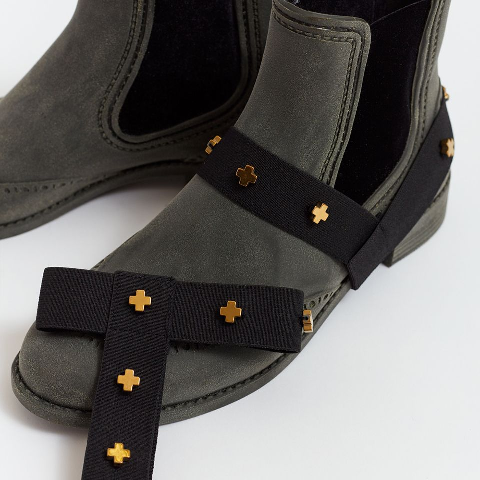 HEAD OVER HEELS shoe accessory - studded (crosses)